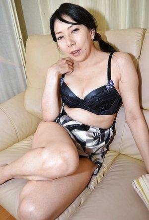 Mom Asian Pics